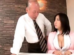 smokin hot oriental babe with gigantic part2