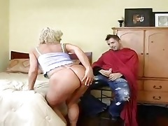 hawt golden-haired cougar bangs younger after