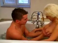 mit meiner tante im bad