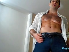sexy muscle beast cums!