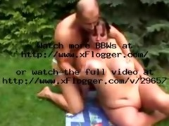 fit guy bonks big beautiful woman in garden