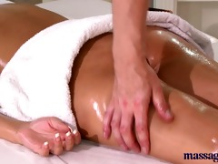 massage rooms blond with charming feet has her